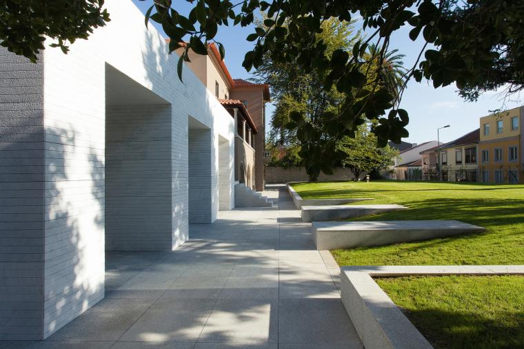 葡萄牙Luz社会福利中心外部局部实-葡萄牙Luz社会福利中心第3张图片