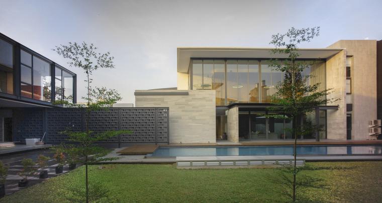 印尼RumahBidang住宅-印尼Rumah Bidang住宅外部侧面实-印尼Rumah Bidang住宅第6张图片