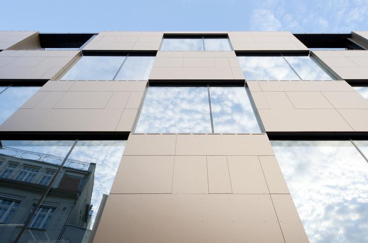 奥地利尼克办公楼外部局部实景图-奥地利尼克办公楼第3张图片