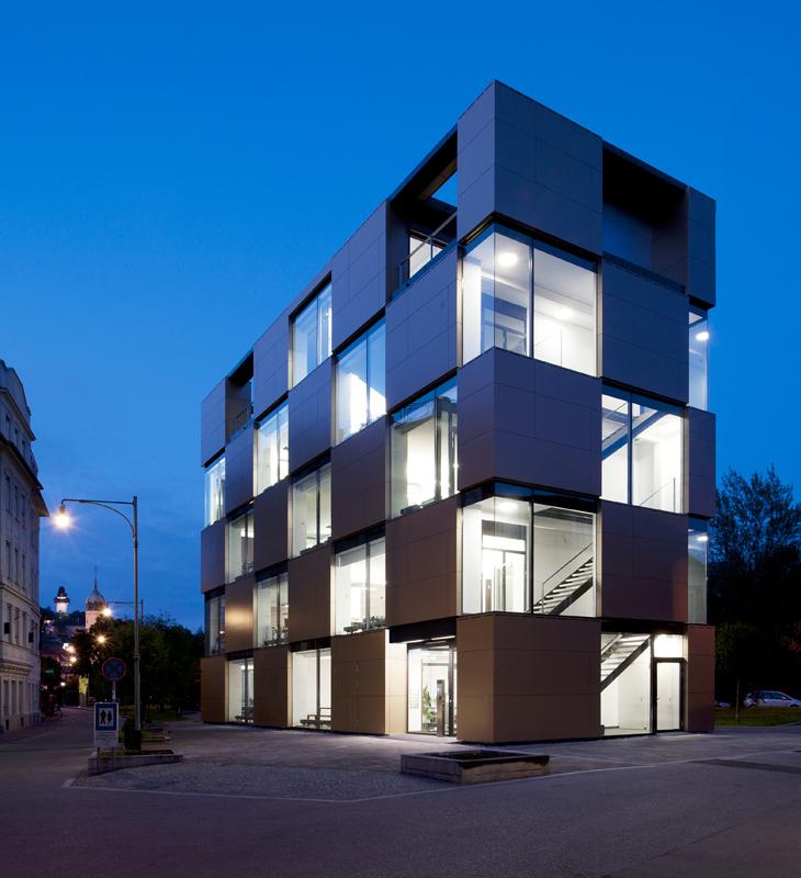 奥地利尼克办公楼外部夜景实景图-奥地利尼克办公楼第4张图片