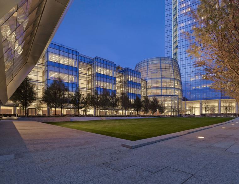 美国戴文能源公司总部大楼外部夜-美国戴文能源公司总部大楼第4张图片