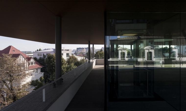 罗马尼亚概念住宅外部阳台实景图-罗马尼亚概念住宅第7张图片