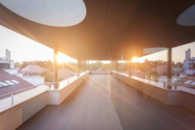 罗马尼亚概念住宅外部阳台实景图-罗马尼亚概念住宅第8张图片