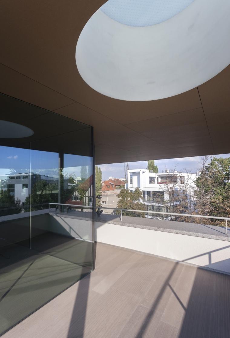 罗马尼亚概念住宅外部阳台实景图-罗马尼亚概念住宅第5张图片