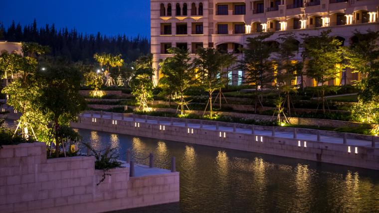 海南岛度假胜地项目外部夜景实景-海南岛度假胜地项目第11张图片