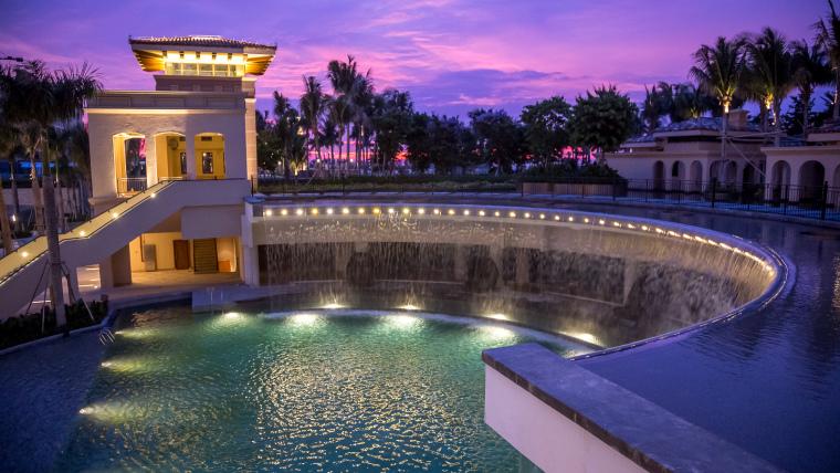 海南岛度假胜地项目外部夜景实景-海南岛度假胜地项目第10张图片