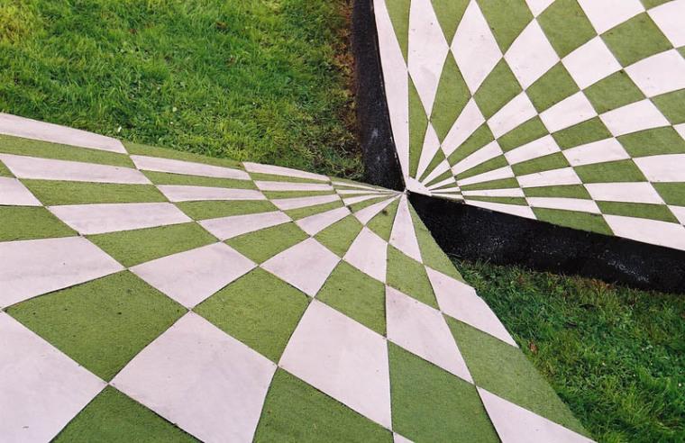 英国苏格兰宇宙思考花园外部细节-英国苏格兰宇宙思考花园第7张图片
