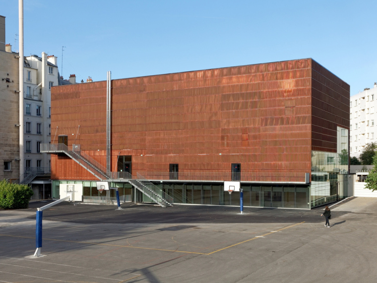 法国埃克托柏辽兹体育中心第1张图片