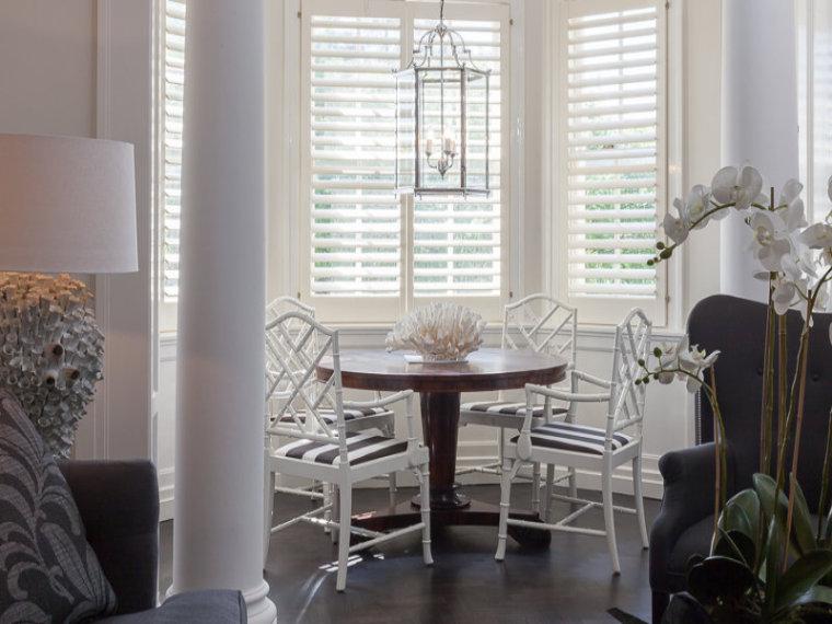 白色天花板公寓室内一角实景图-白色天花板公寓第9张图片