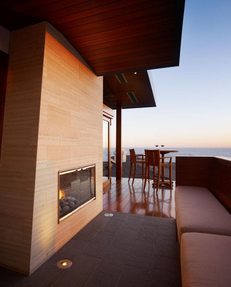 美国三十三街住宅外部阳台实景图-美国三十三街住宅第6张图片