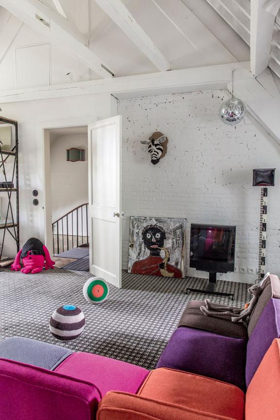 法国诺曼底的一座小城堡室内客厅-法国诺曼底的一座小城堡第2张图片