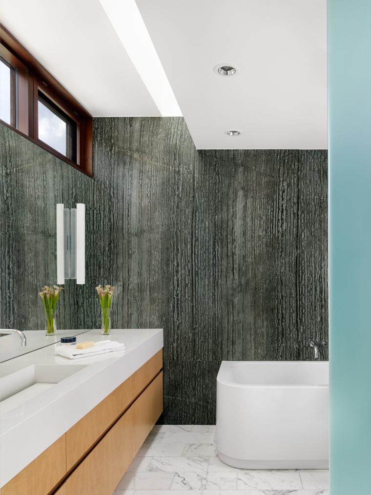 美国湖景别墅内部浴室实景图-美国湖景别墅第20张图片