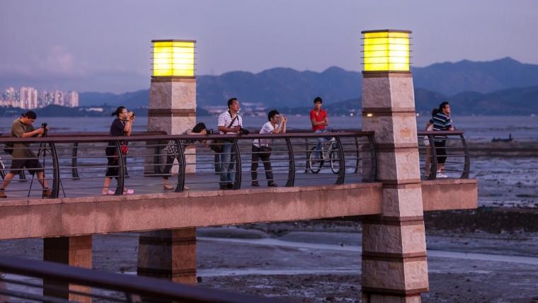 广东深圳湾景观外部夜景实景图-广东深圳湾景观第12张图片