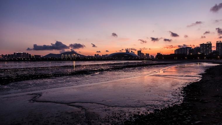 广东深圳湾景观外部夜景实景图-广东深圳湾景观第13张图片