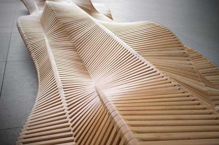 凳如其名的uiliuili长凳外部实景-凳如其名的uiliuili长凳第3张图片