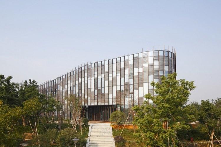 浙江国家湿地公园绿色大楼景观外-浙江国家湿地公园绿色大楼景观第2张图片
