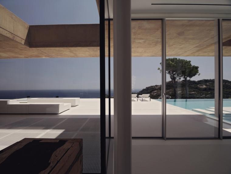 西班牙贝格翻修房外部局部实景图-西班牙贝格翻修房第6张图片