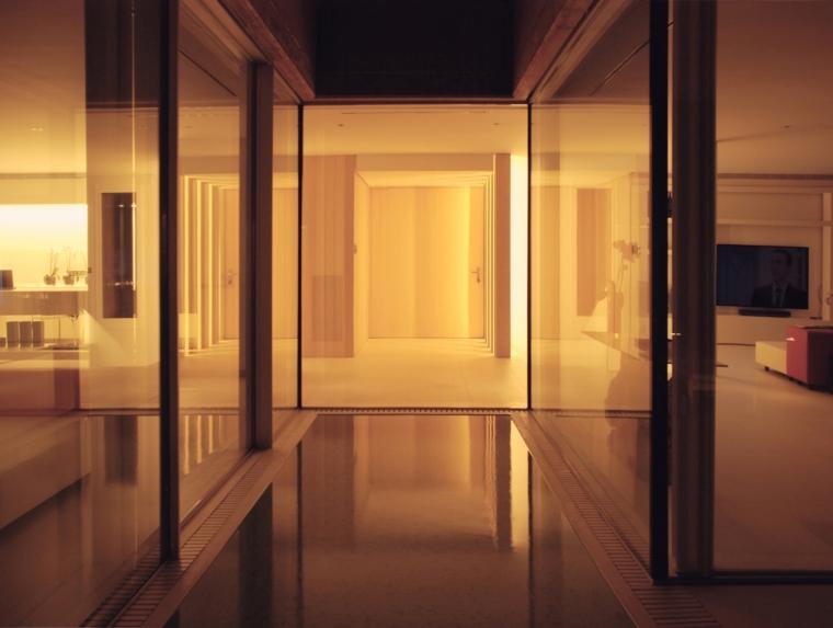 西班牙贝格翻修房内部夜景实景图-西班牙贝格翻修房第13张图片