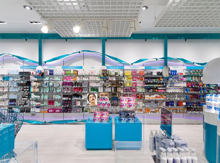 西班牙斯药店室内选购区实景图-西班牙加洛斯药店第8张图片