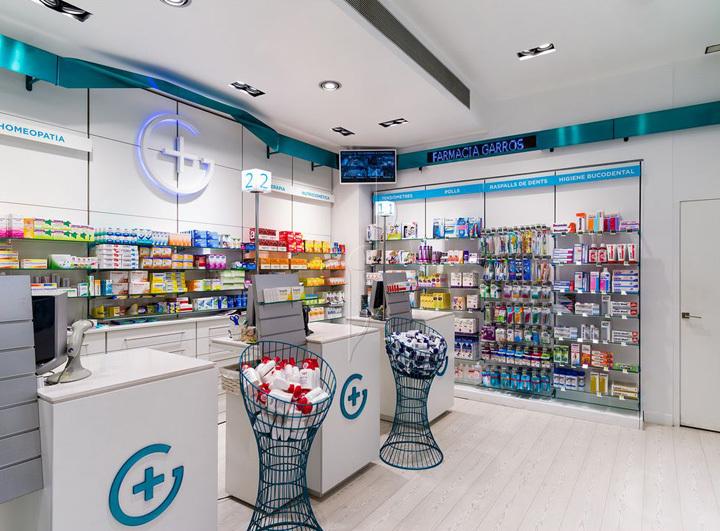 西班牙斯药店室内前台实景图-西班牙加洛斯药店第9张图片