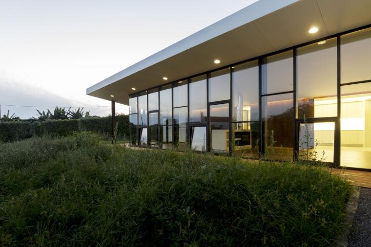 葡萄牙罗斯托别墅外部夜景实景图-葡萄牙罗斯托别墅第7张图片
