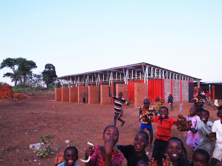 马拉维社区中心及小学外部实景图-马拉维社区中心及小学第4张图片