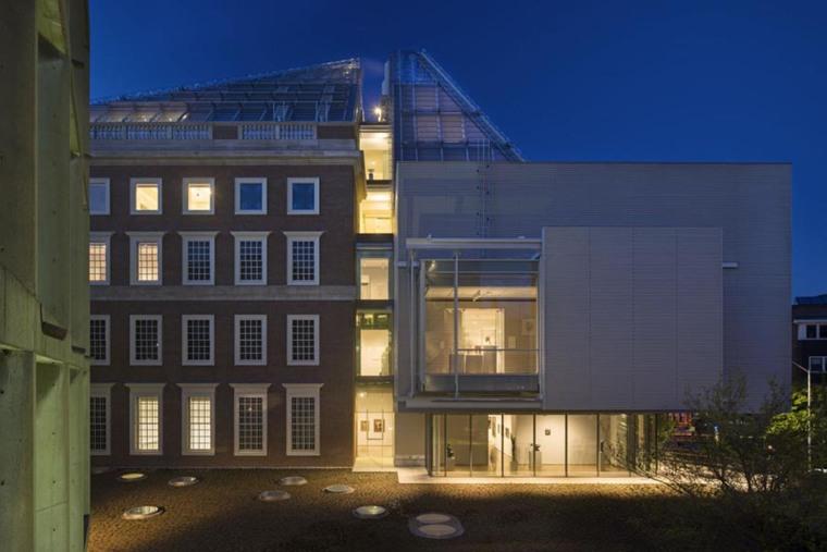 美国哈佛艺术博物馆外部夜景实景-美国哈佛艺术博物馆第8张图片