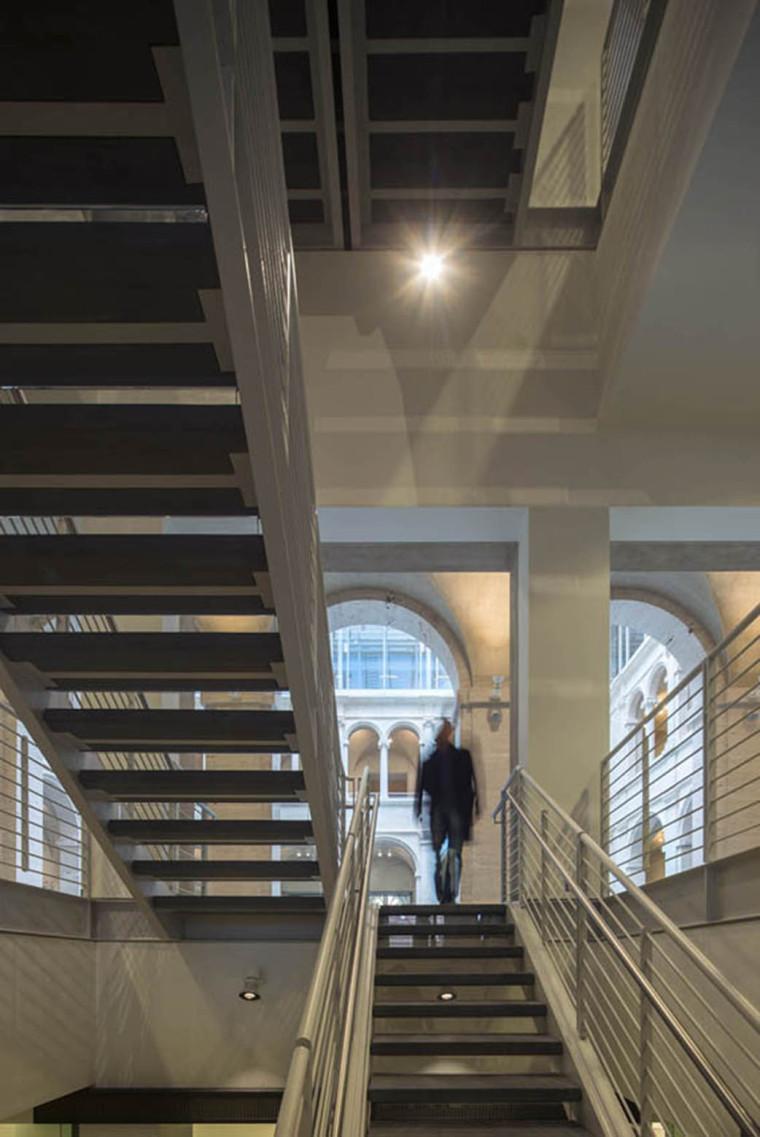 美国哈佛艺术博物馆内部楼梯实景-美国哈佛艺术博物馆第14张图片