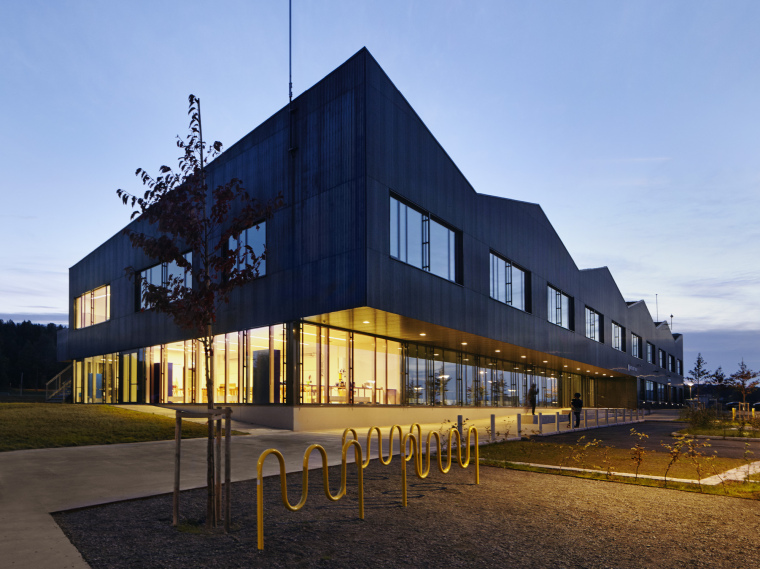 挪威Bratejordet中学第1张图片
