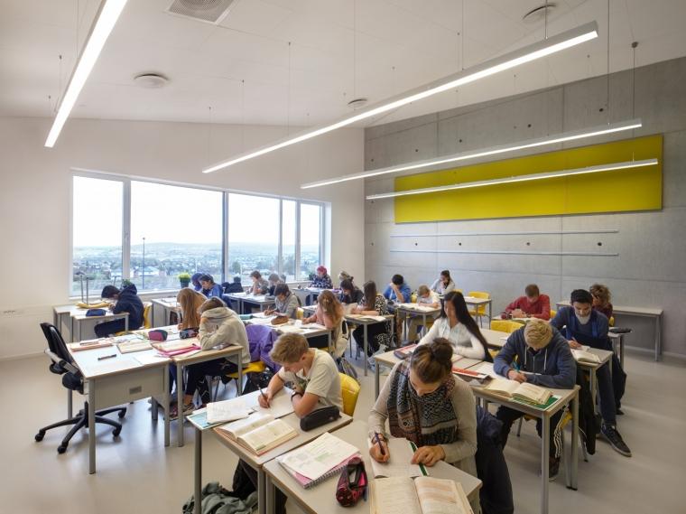 挪威Bratejordet中学内部教室实景-挪威Bratejordet中学第8张图片