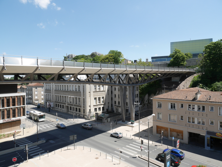法国莱昂•布鲁姆高架桥外部实景-法国莱昂•布鲁姆高架桥第5张图片