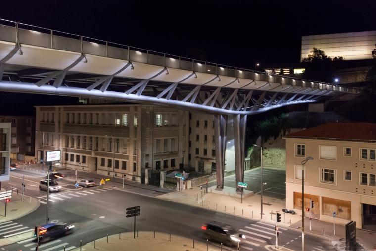 法国莱昂•布鲁姆高架桥外部夜景-法国莱昂•布鲁姆高架桥第12张图片