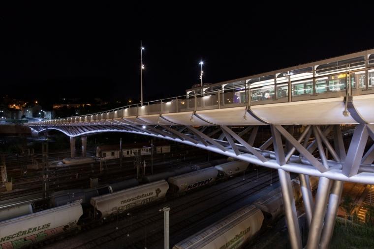 法国莱昂•布鲁姆高架桥外部夜景-法国莱昂•布鲁姆高架桥第15张图片