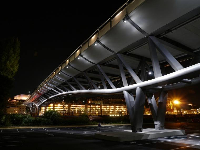 法国莱昂•布鲁姆高架桥外部夜景-法国莱昂•布鲁姆高架桥第14张图片