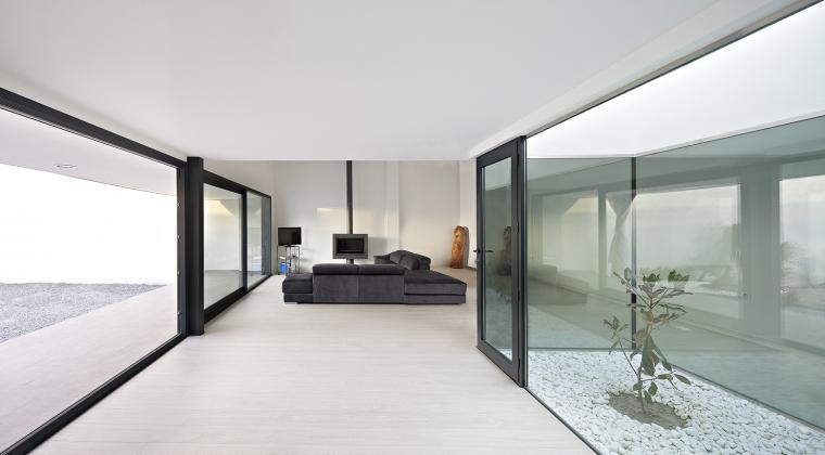 西班牙单亲家庭花园住宅内部实景-西班牙单亲家庭花园住宅第8张图片