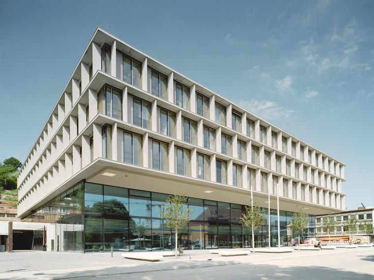 ibm斯图加特总部大楼资料下载-德国斯图加特工商会新行政楼