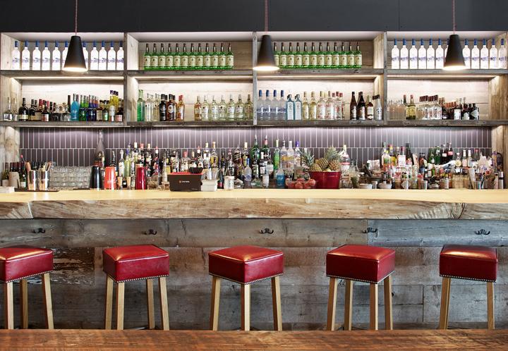 加拿大Míle酒吧餐厅室内吧台实景-加拿大Míle酒吧餐厅第2张图片