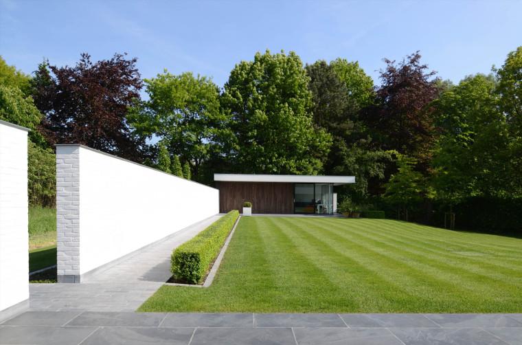比利时GFR别墅外部侧面实景图-比利时GFR别墅第7张图片