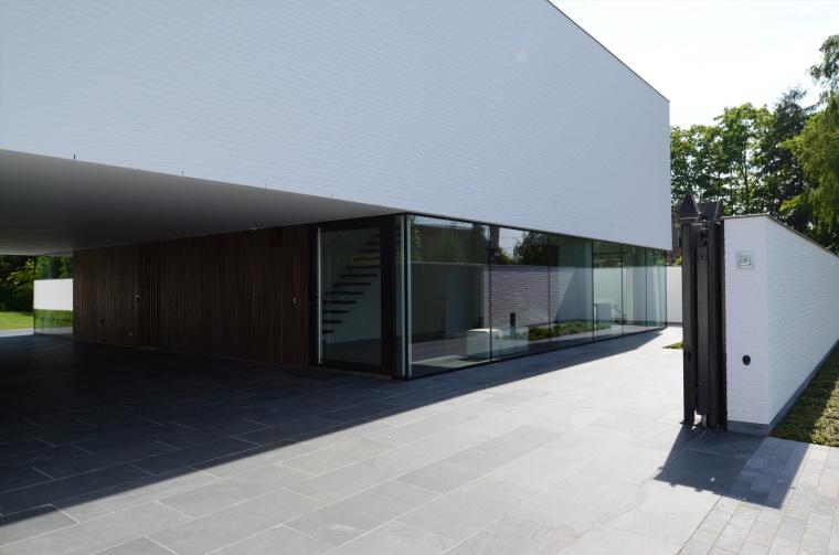 比利时GFR别墅外部侧面实景图-比利时GFR别墅第9张图片