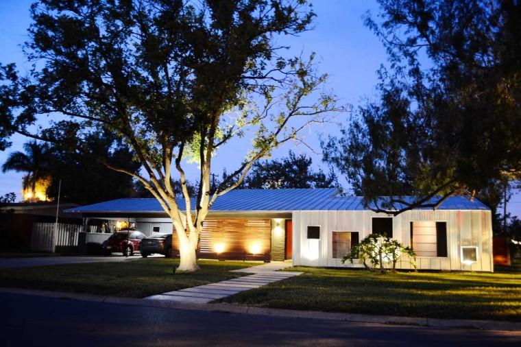 美国韦斯特韦别墅外部夜景实景图-美国韦斯特韦别墅第13张图片