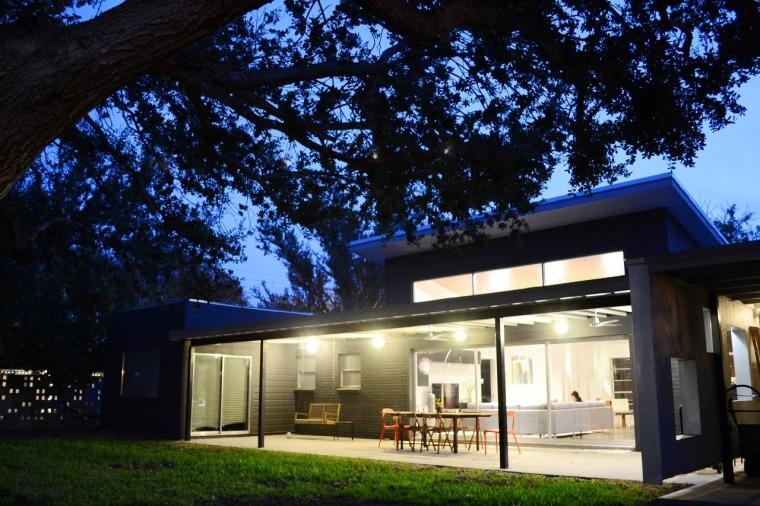 美国韦斯特韦别墅外部夜景实景图-美国韦斯特韦别墅第14张图片