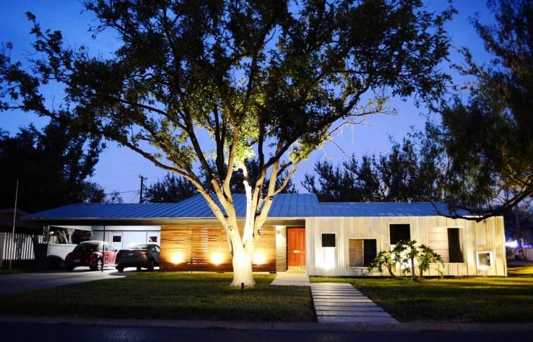 美国韦斯特韦别墅外部夜景实景图-美国韦斯特韦别墅第12张图片