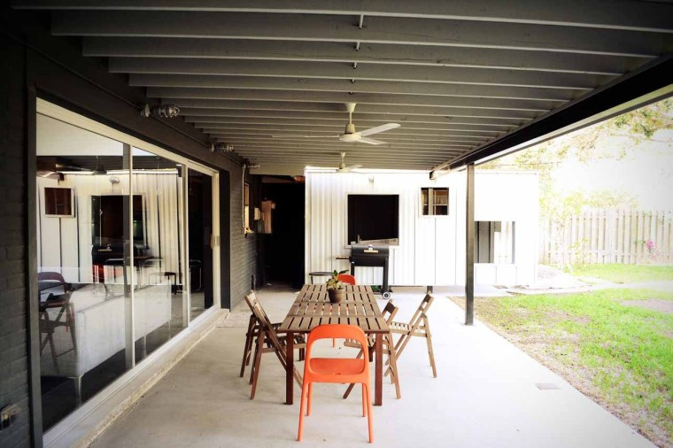美国韦斯特韦别墅外部休息区实景-美国韦斯特韦别墅第10张图片