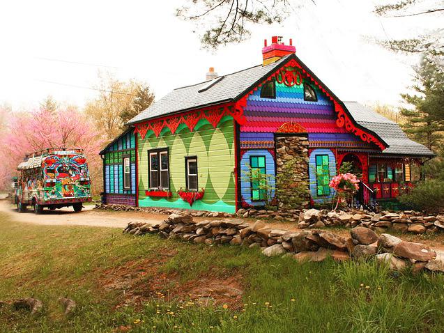 美国艺术家的七彩虹小屋第1张图片