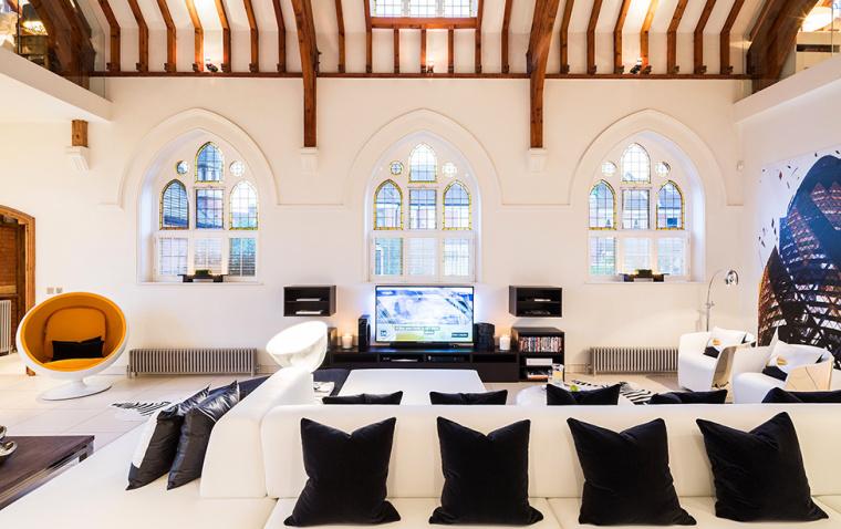英国一间教堂改造成的现代住宅室-英国一间教堂改造成的现代住宅第2张图片