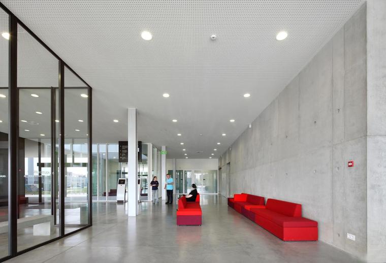 比利时布鲁日警察局内部大厅实景-比利时布鲁日警察局第15张图片