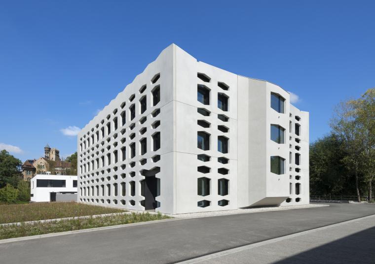 德国纽特拉大楼外部实景图-德国纽特拉大楼第6张图片