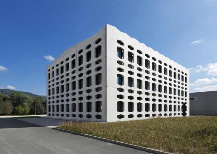 德国纽特拉大楼外部实景图-德国纽特拉大楼第2张图片