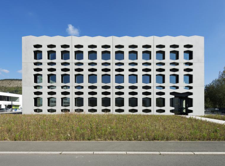 德国纽特拉大楼外部实景图-德国纽特拉大楼第5张图片