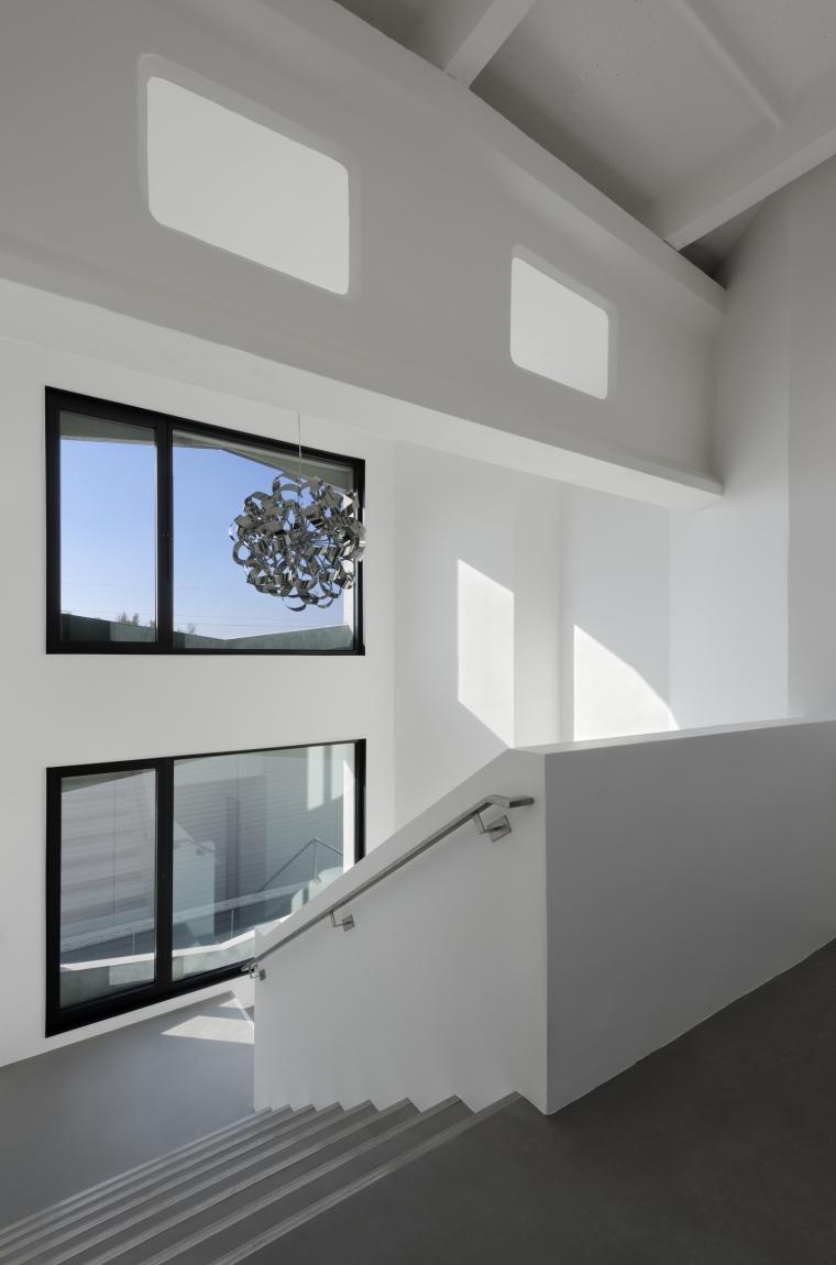 德国纽特拉大楼内部过道实景图-德国纽特拉大楼第27张图片